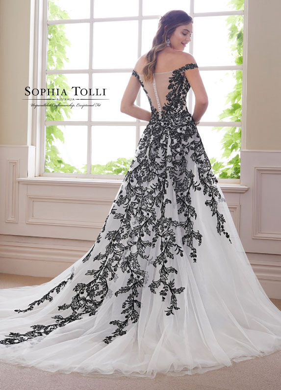 Black and White Wedding Dresses - Unique Style for a Modern Bri