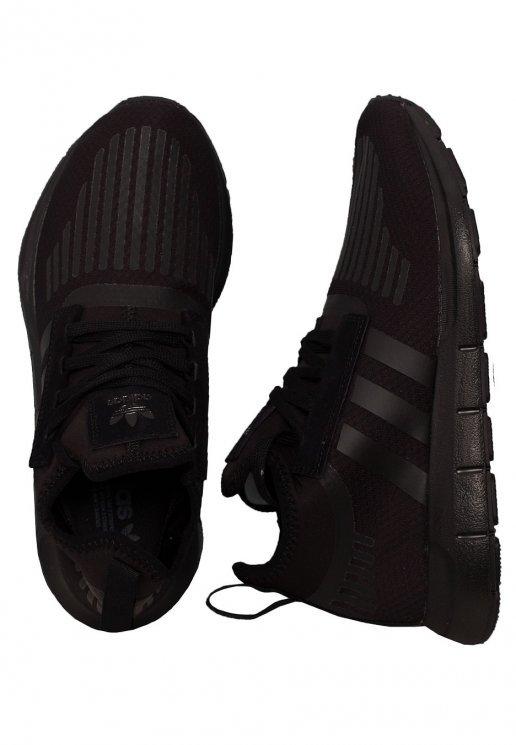 Adidas - Swift Run Barrier Core Black/Core Black/Core Black .