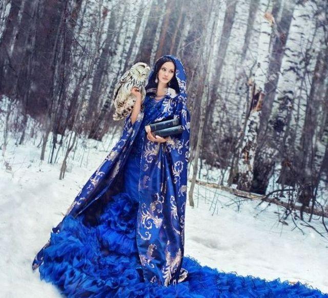 blue winter wedding dresses 20