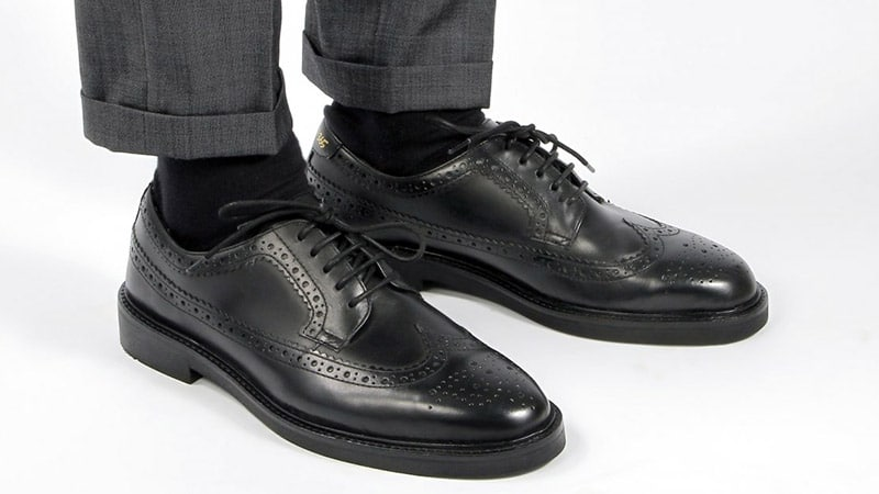 How to Wear Brogue Shoes for Men - The Trend Spott