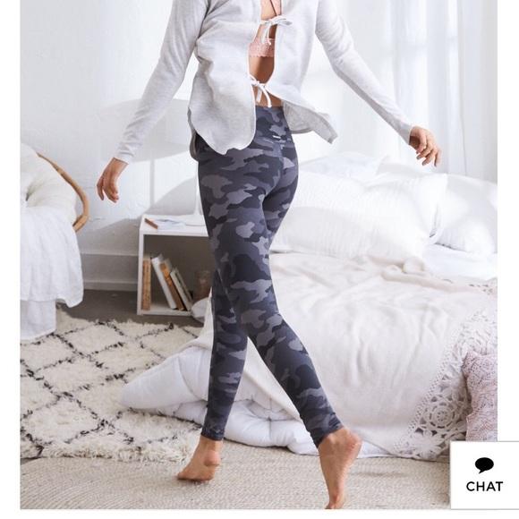 aerie Pants | Move High Waisted Camo Legging | Poshma