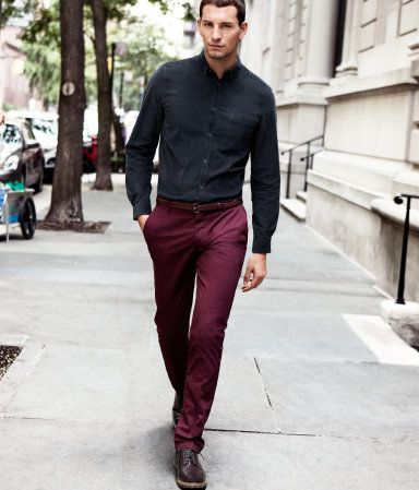Burgundy Chinos is a great look for this fall! | Pants outfit men .