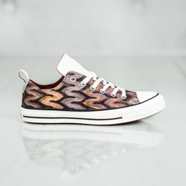 Shoes Women - Converse X Missoni Chuck Taylor All Star 151256C .