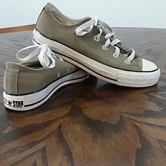 Converse Shoes   Tennis Size 6   Poshma