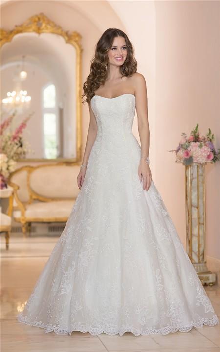 Classic A Line Strapless Vintage Lace Corset Wedding Dress With Spar