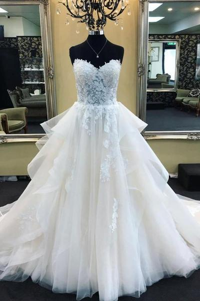 Lace Sweetheart Corset Wedding Gown Dress with Tulle Skirt .