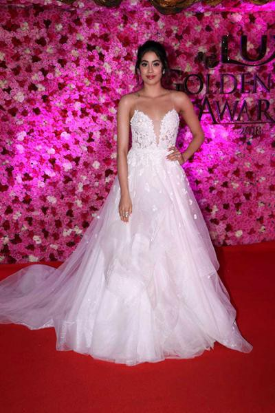 Where to get designer gowns online at Reasonable price