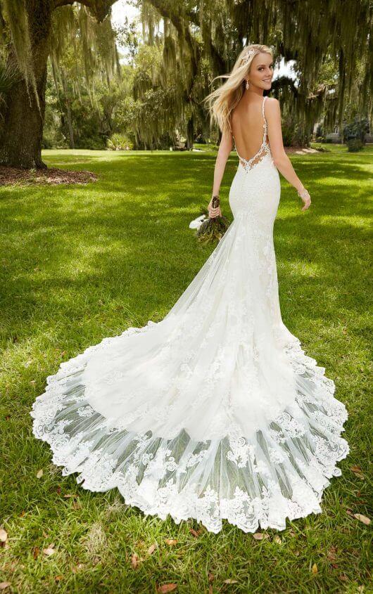 Lace Designer Wedding Gown | Martina Liana Wedding Dress