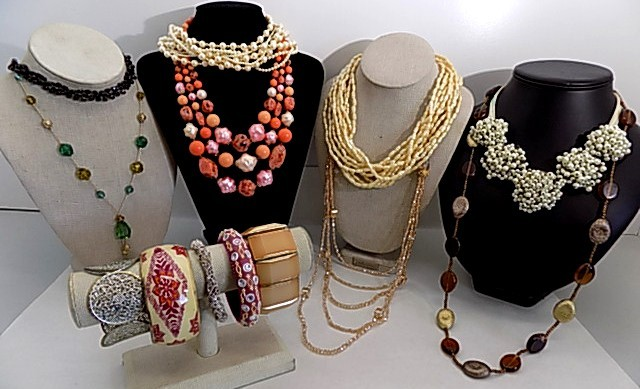 Vintage & Vintage Insp Fashion Jewelry Grab Bag - shopgoodwill.c