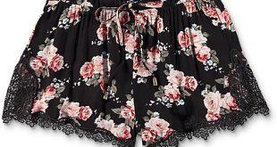 Trillium Demia Floral Crochet Shorts | Zumi