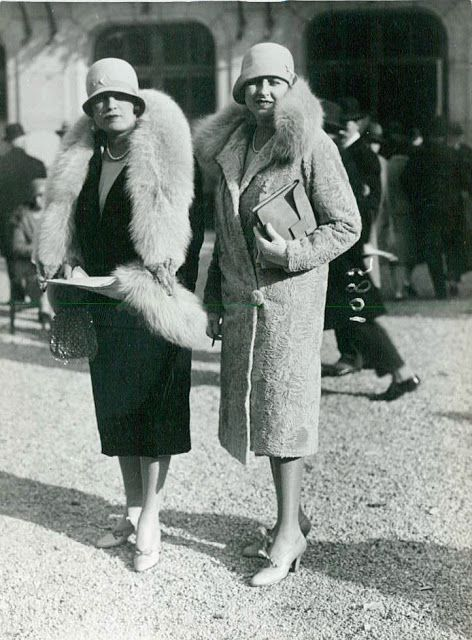 1920s French Fashion (With images)   French fashion, 1920s fashion .
