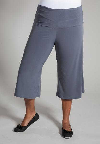 Super Comfy Plus Size Bottoms | Essential Gaucho Pants in Gray .
