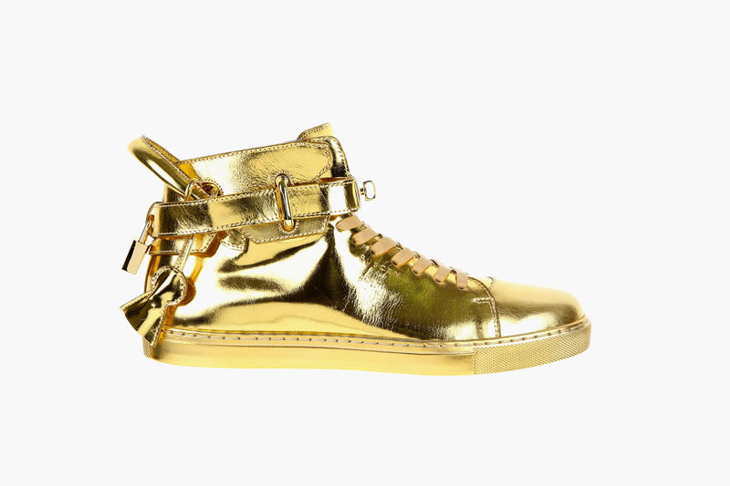 Flashy Gold Sneakers : gold sneak