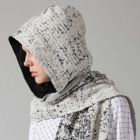 Maharatta Hooded Scarf - Whiteo