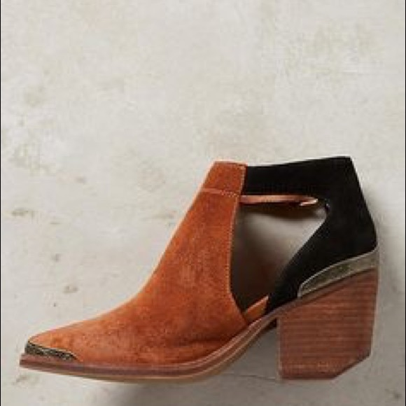 Jeffrey Campbell Shoes | Woodruff Cutout Ankle Booties | Poshma