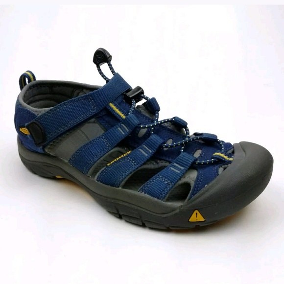 Keen Shoes | 5 Dark Navy Blue Washable Waterproof Sandals | Poshma