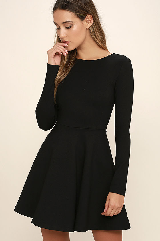 Long Black Dress With Sleeves - Nini Dre