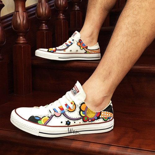 Low Top Converse Shoes Hand Painted Cartoon Toy Canvas Sneakers .