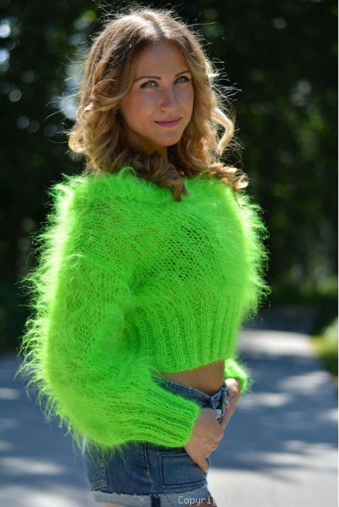 Cropped summer mohair sweater in neon green/CR