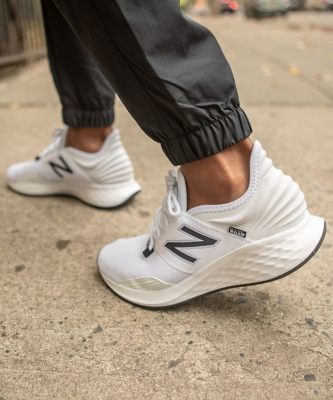 New Balance Shoes, Sneakers & Running Shoes | D
