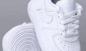 the mini Nike …   Cute baby shoes, Baby shoes, Baby boy sho