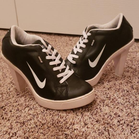 Nike Shoes | Heels | Poshma