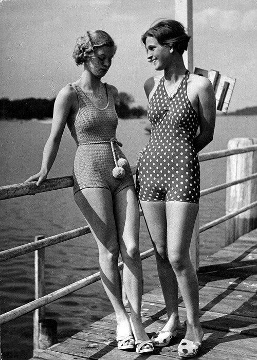 no title) | Vintage swimsuits, Vintage fashion photography .