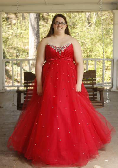 Plus-size prom: Finding dresses in larger sizes is an exercise in .