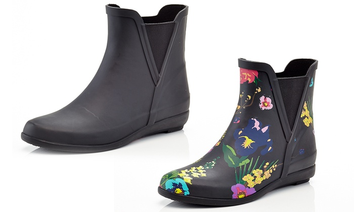 Up To 26% Off on Women's Short Rain Boots | Groupon Goo