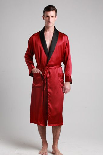 Start your relaxation with this luxury full-length robe. Made out .