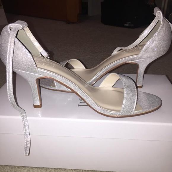 David's Bridal Shoes   Davids Bridal Bridesmaid Silver Nayomi 3 In .