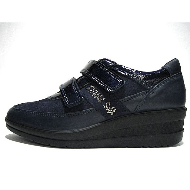 ENVAL SOFT WOMEN'S COMFORTABLE SHOES WITH STRAPS NAVY POLISH .