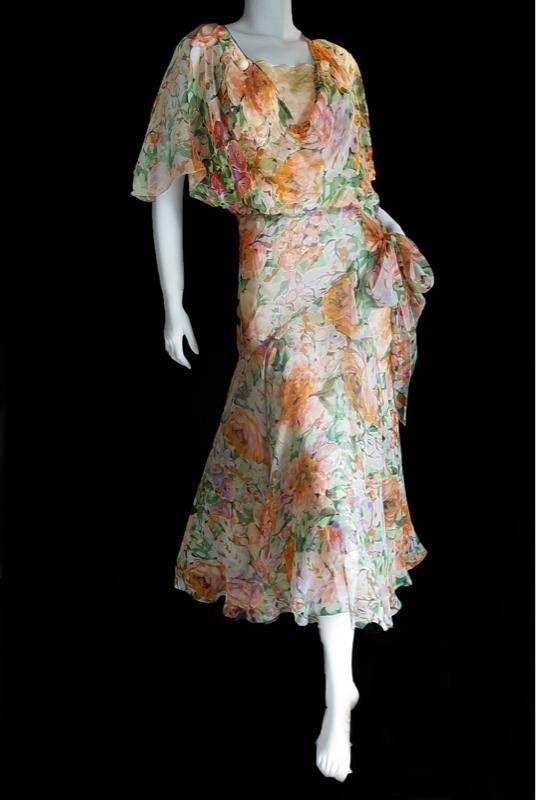 vintage floral 1930's tea dress (With images) | Tea dress pattern .
