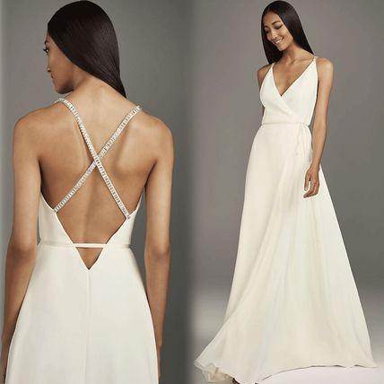 Shop Vera Wang 2019-20AW Sleeveless V-Neck Plain Long Wedding .