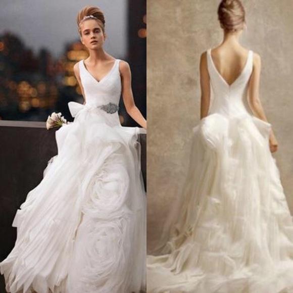 White by Vera Wang Dresses | Wedding Dress Vw351029 | Poshma