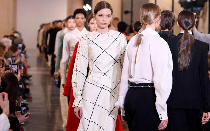 Victoria Beckham Collection Photos: London Fashion Week, Fall 2019 .