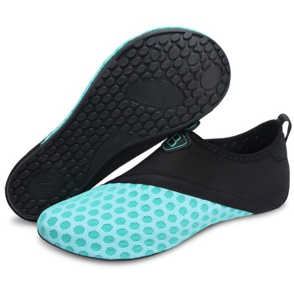Best Water Shoes - Reviews & Buying Guide (March 2020) - Outlini