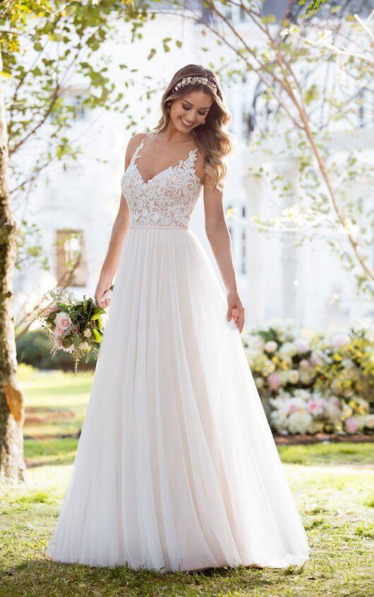 Boho Wedding Dresses | Soft and Romantic Boho Wedding Dress .