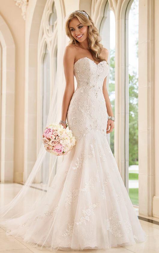 Sexy Fit-and-Flare Wedding Dress | Stella York Wedding Gow
