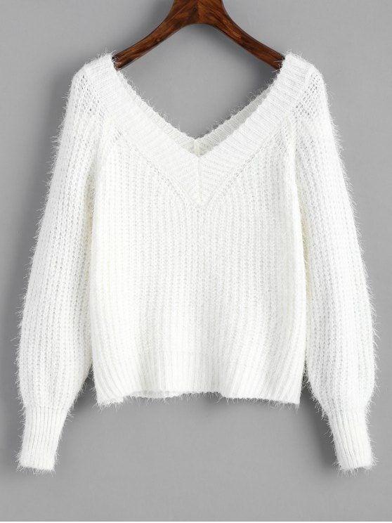 LOOOOVEEE this fuzzy white v-neck sweater😍😍😍 | White v necks .