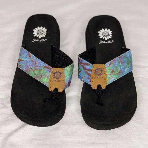 Yellow Box Shoes | Blue Tiedye Flip Flops | Poshma