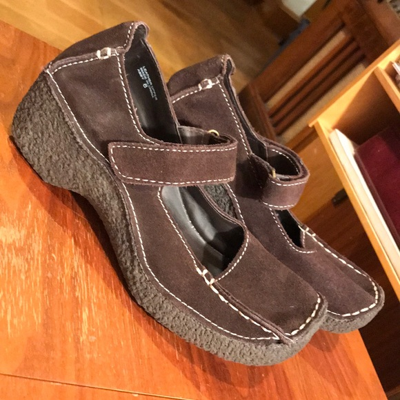 Yellow Box Shoes | 8 Brown Suede Mary Janes Velcro | Poshma